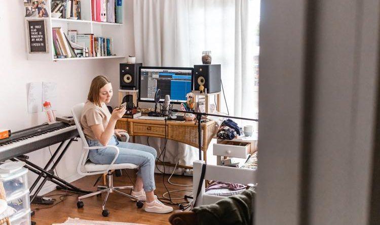 Panele akustyczne, czym są i jak Ci mogą pomóc w akustyce w mieszkaniu