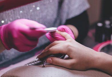 Jak właściwie pielęgnować skórę dłoni i paznokcie?